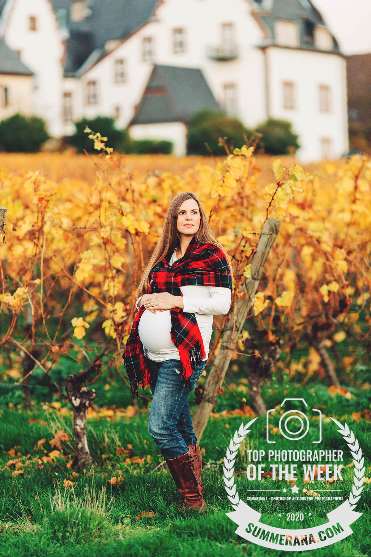 A beautiful maternity session in the vineyards of Hochheim, Germany