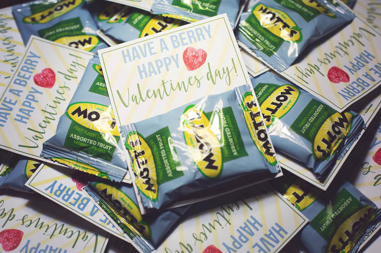 School valentine diy with fruit snacks
